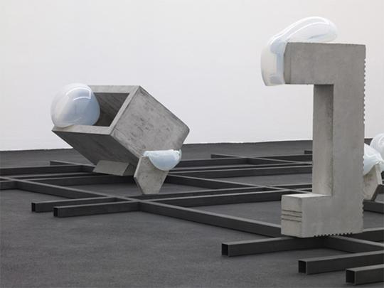 Morgane Tschiember, Rolls & Bubbles, Installation view, Galerie Loevenbruck, Paris