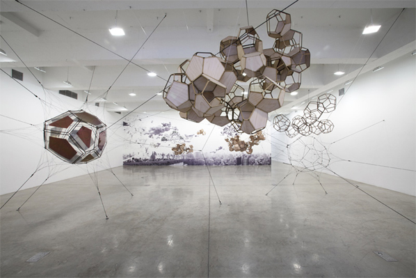 Tomas Saraceno, Air-Port-City / Cloud Cities, Installation view, Tanya Bonakdar Gallery, New York
